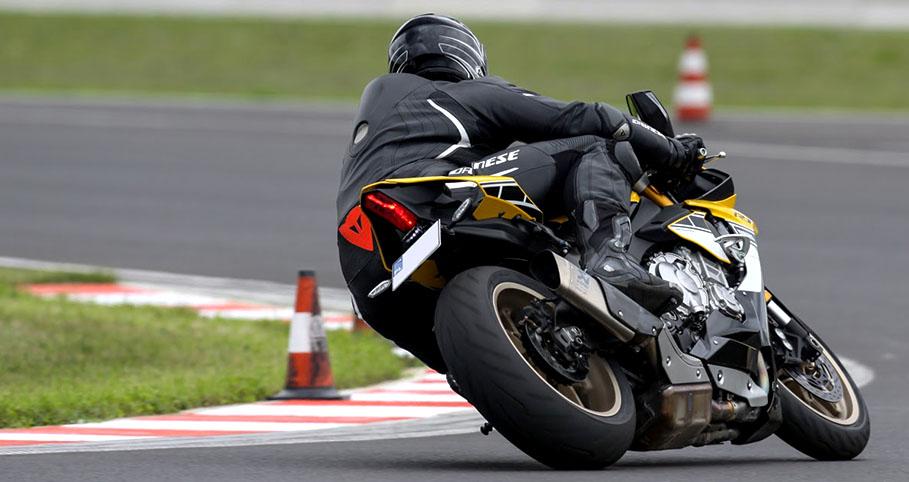 super bike school motocykl